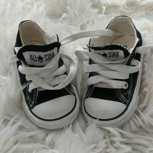 Size 4k Converse Chucks